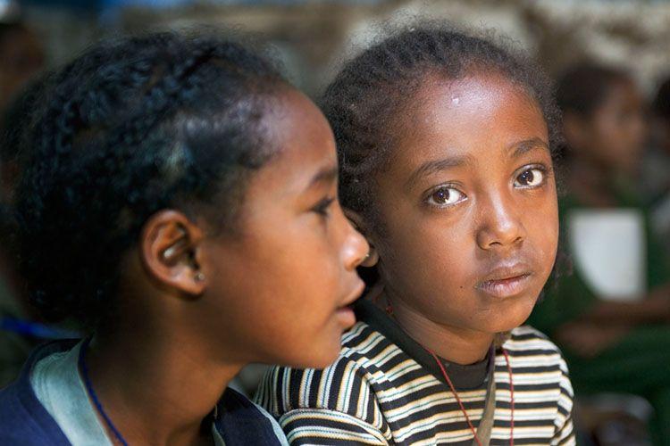 1school_girls_africa