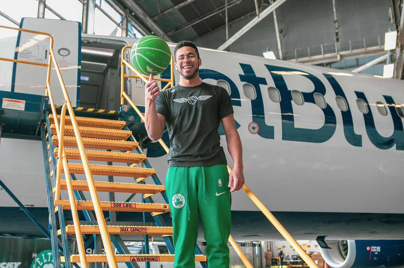 Basketball Player advertising JetBlue