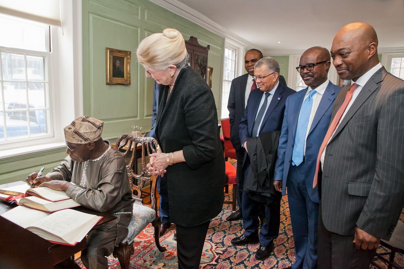 Olusegun Obasanjo Signs Harvard University Guest Book