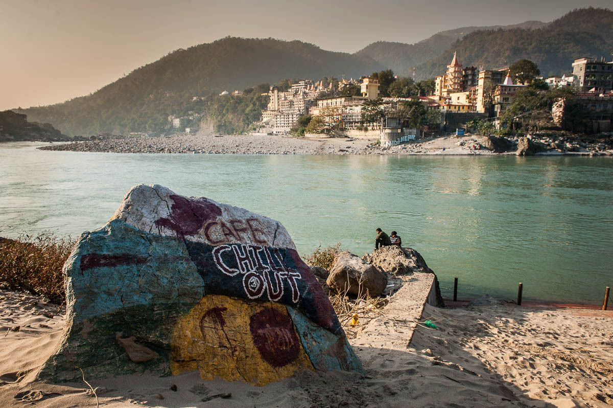 1painted_rock_on_bank_of_ganges_lakshman_jhula_indai
