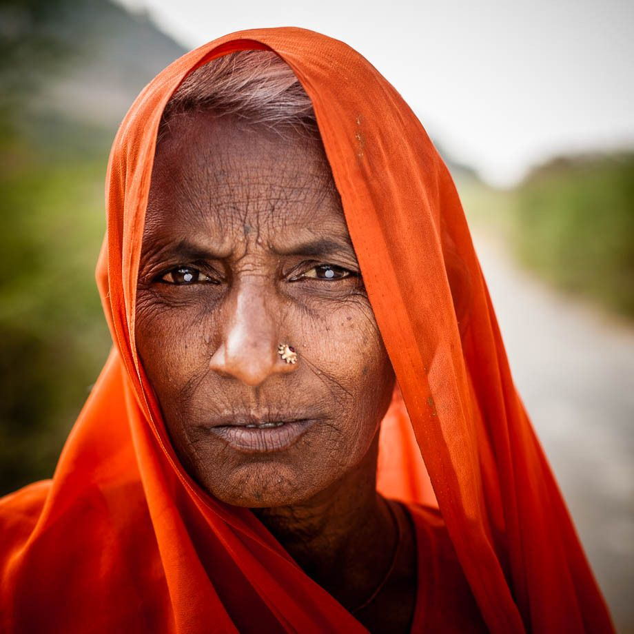 1old_woman_in_orange_headress__udaipur_india