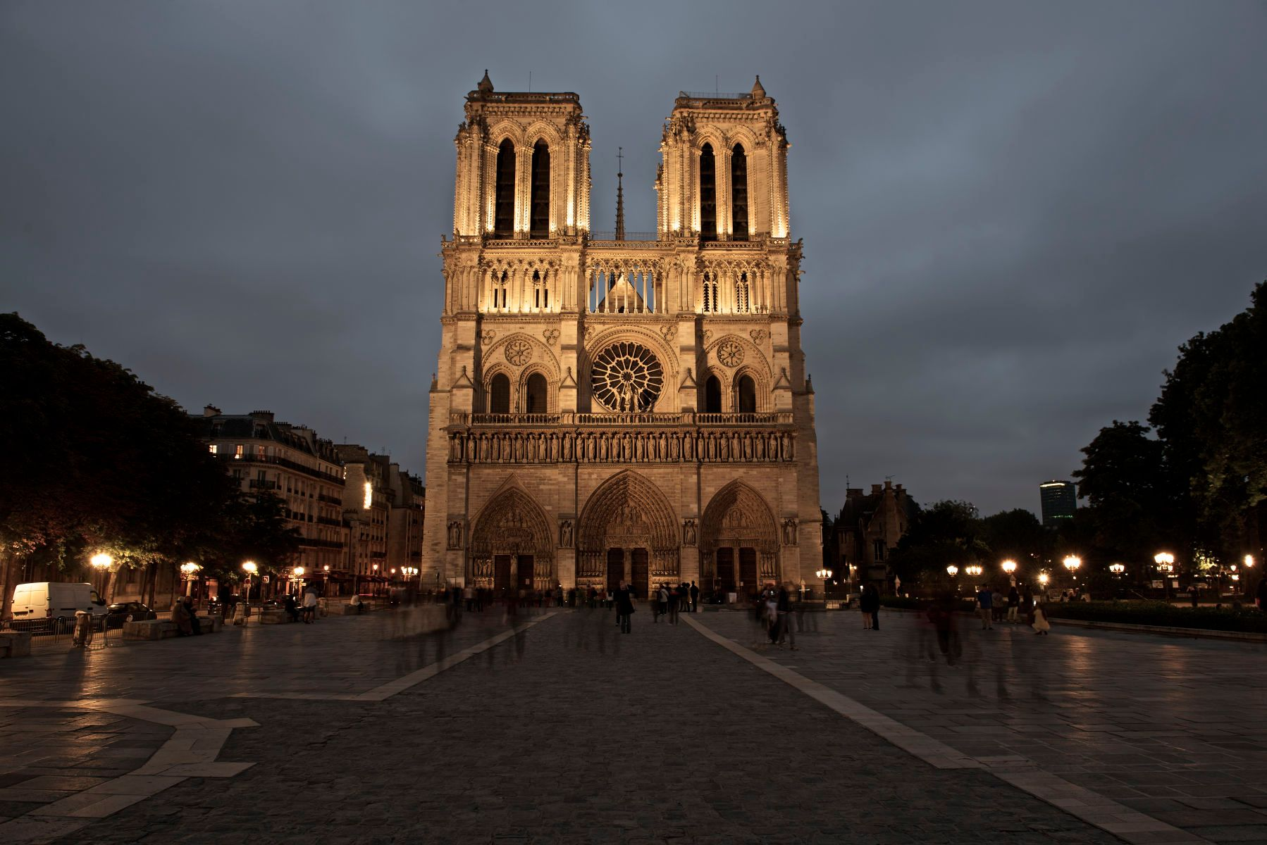 """Notre-Dame"""
