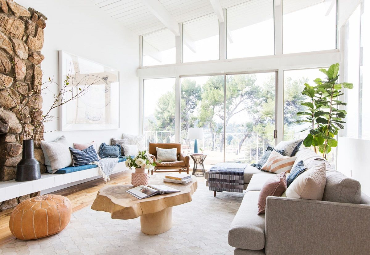 Emily-Henderson_Living-Room_Staged-To-Sell_Boho_Mid-Century_Eclectic_Blue_White_Styled_Couch_Sectional_Staged12-1024x708@2x.jpg