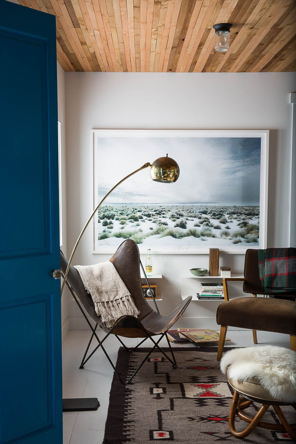 Arch Lamp with Butterfly Chair