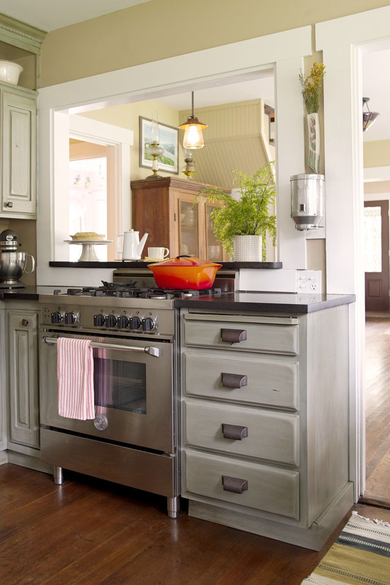 29_0_1stone_this_old_house_kitchen_stove.jpg