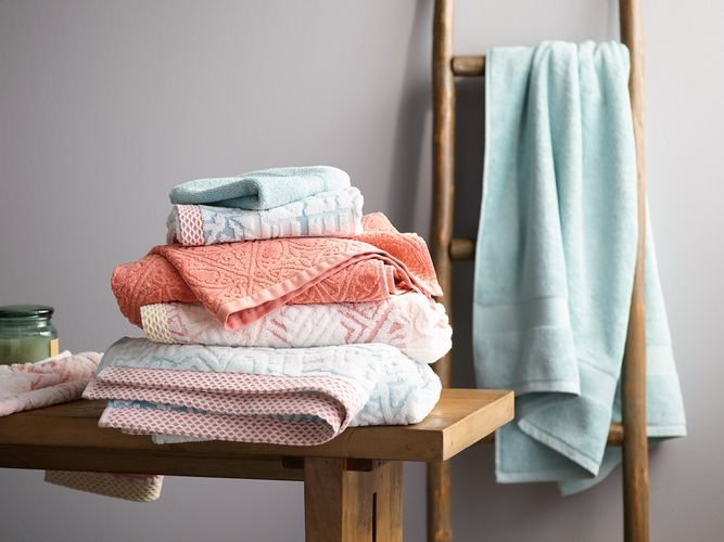 towels_Stack_Week_50_Saturday_Email_Hero_HRR.jpg