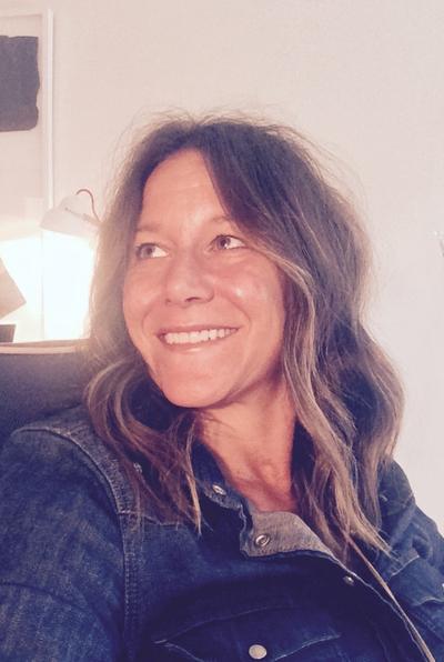 Molly Hurd photo stylist