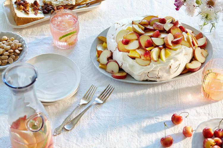 sangria-pavlova-table-setting.jpg