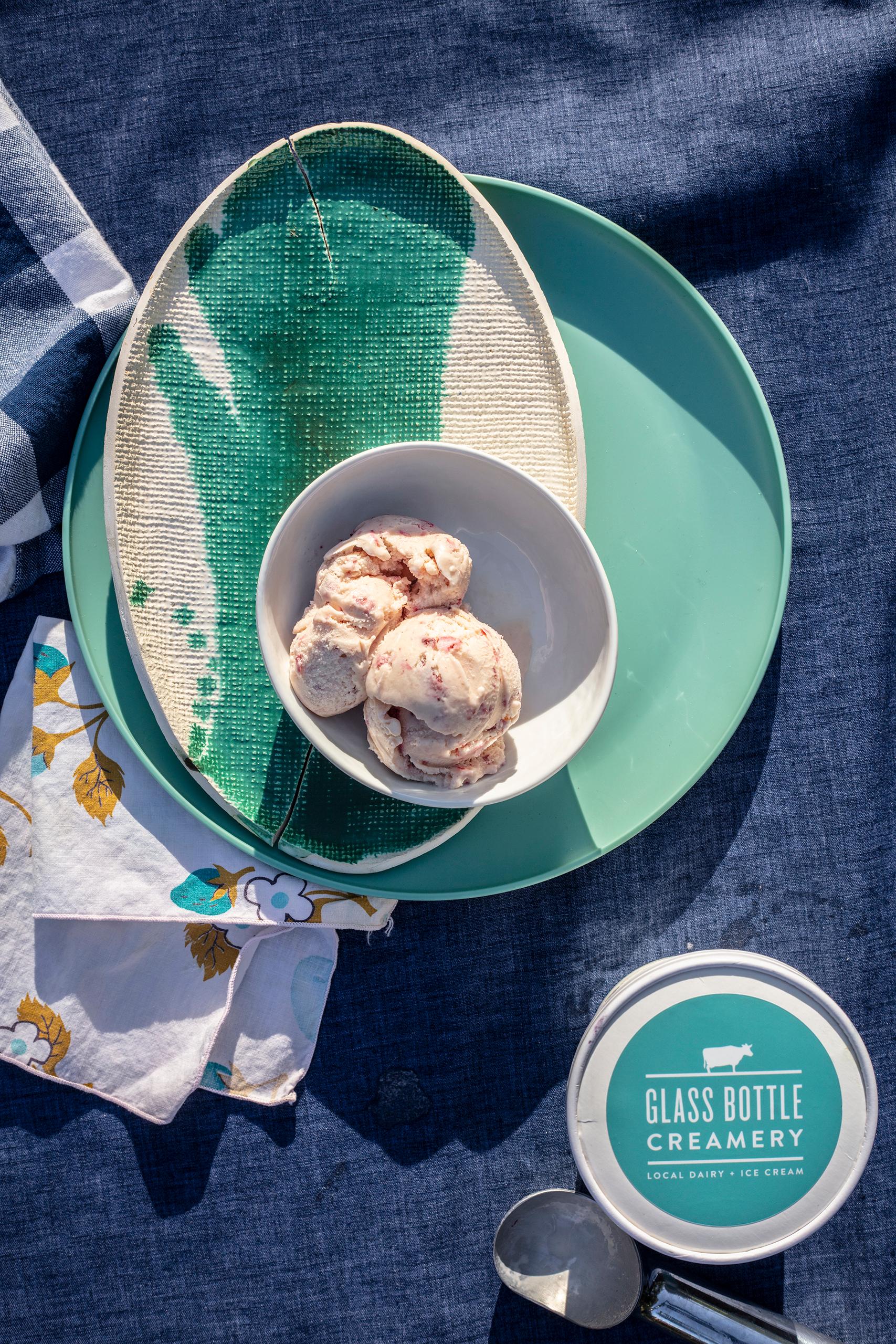 Ice cream and mint dishware