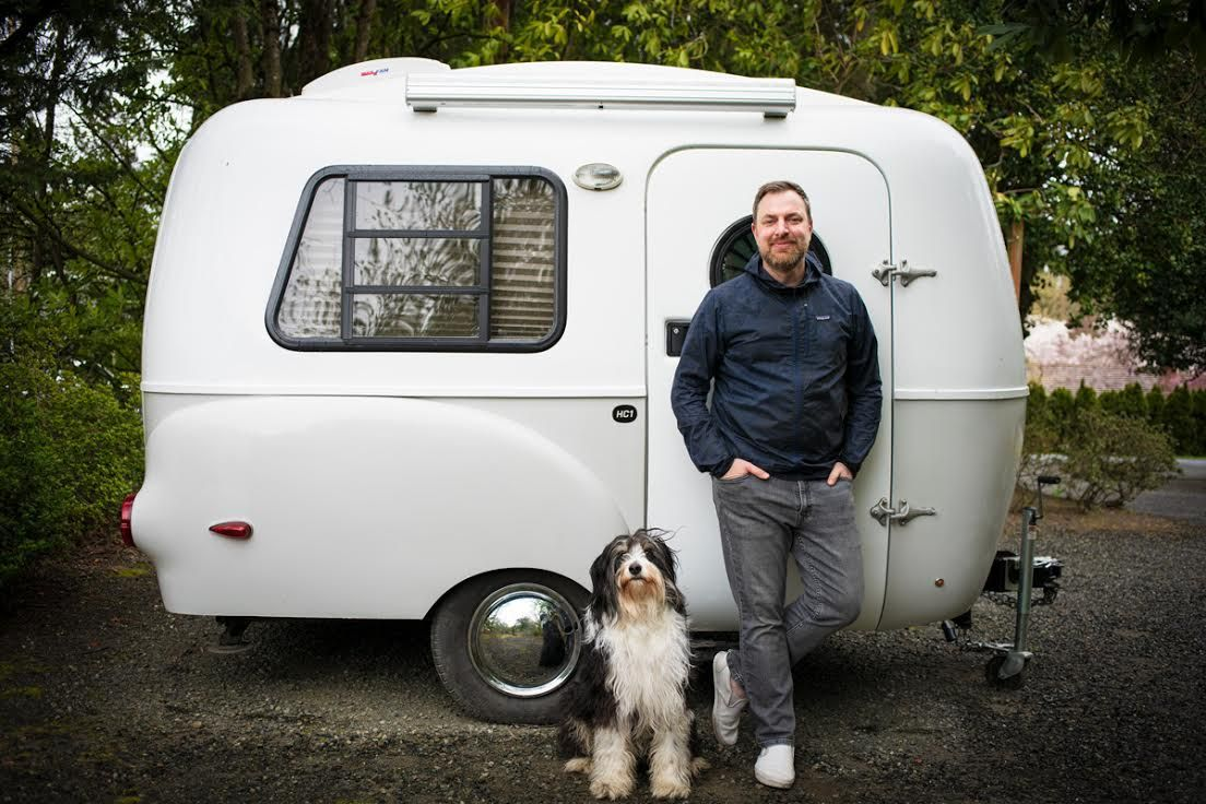 seattle photographer taylor castle poses with dog