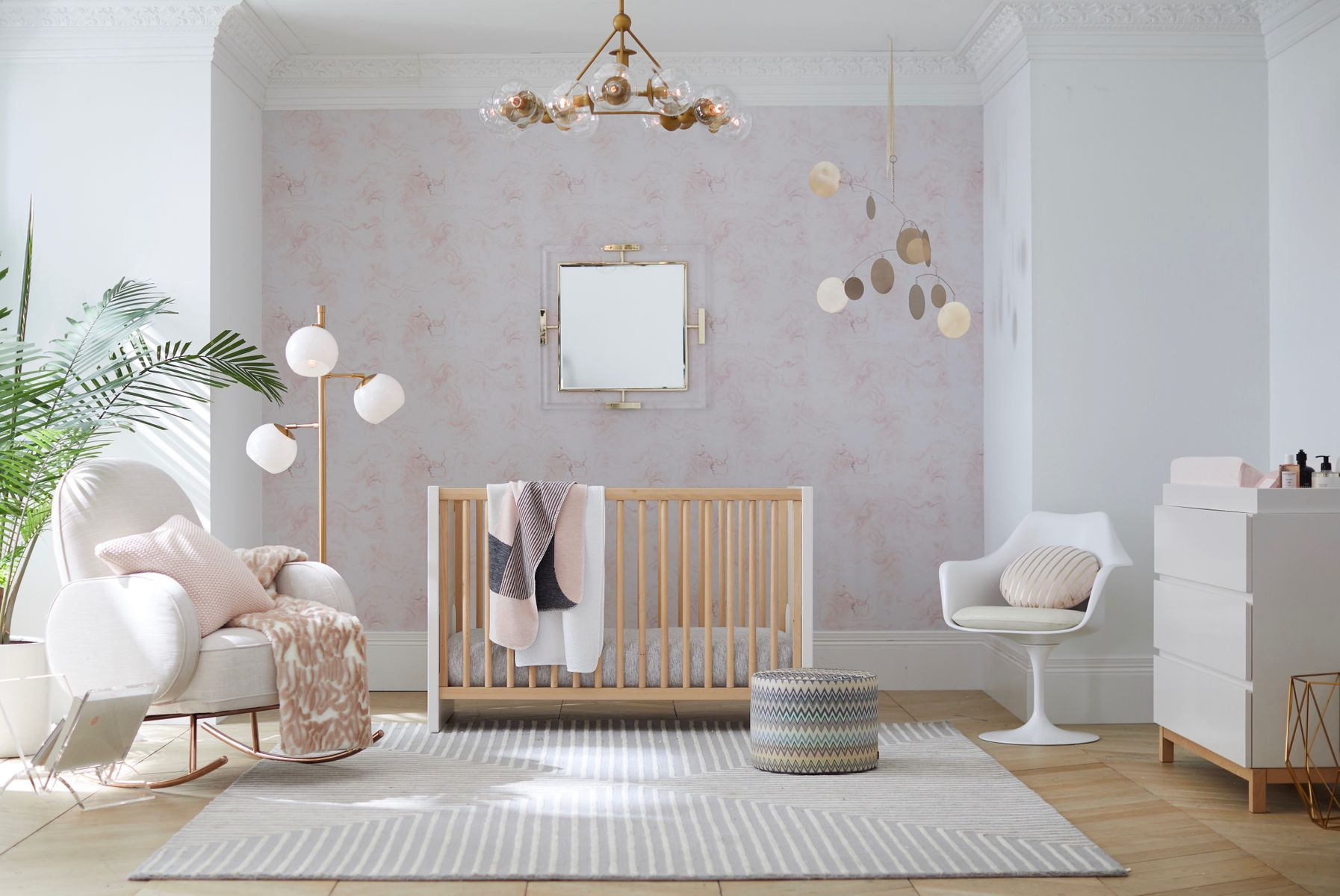 Baby's room decorating ideas, pink and white