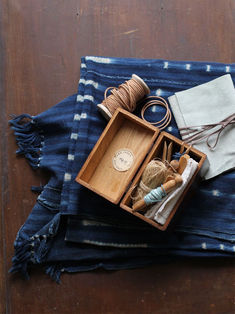 SEWING KIT STYLING