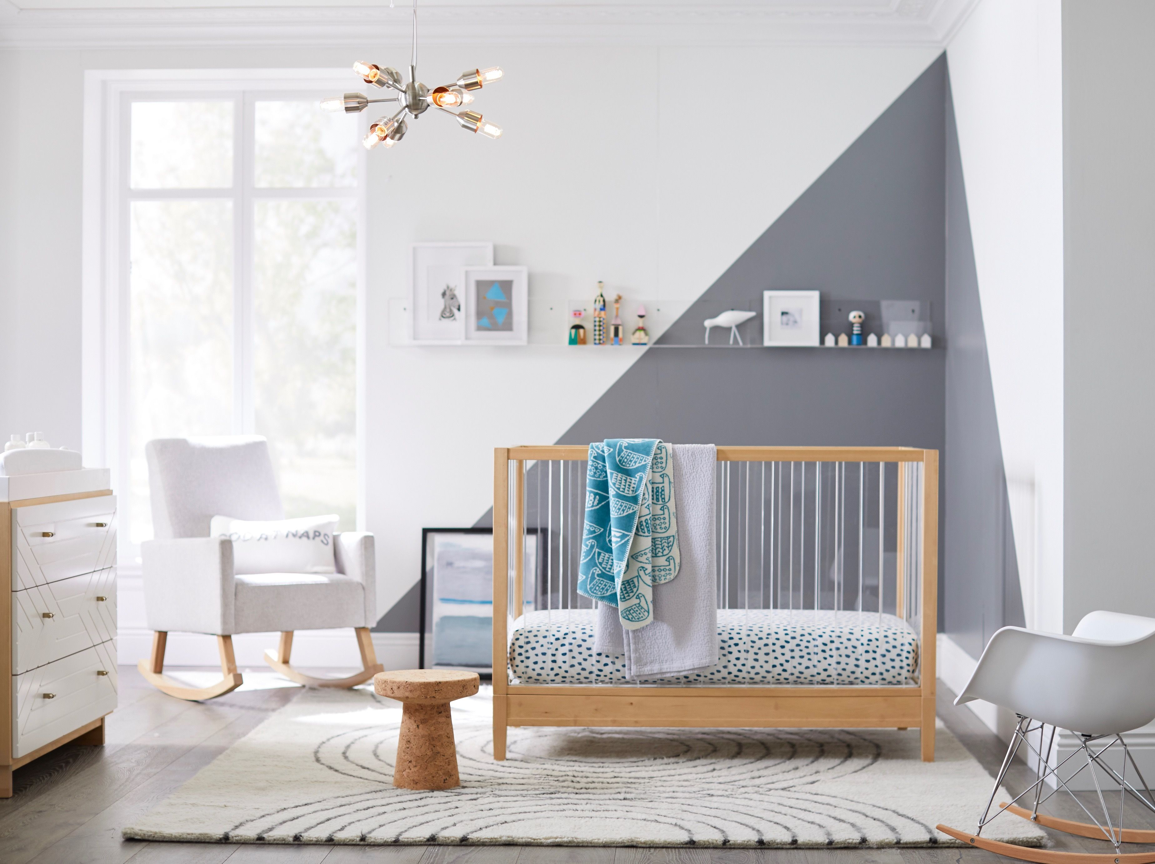 How to decorate a nursery with clean lines