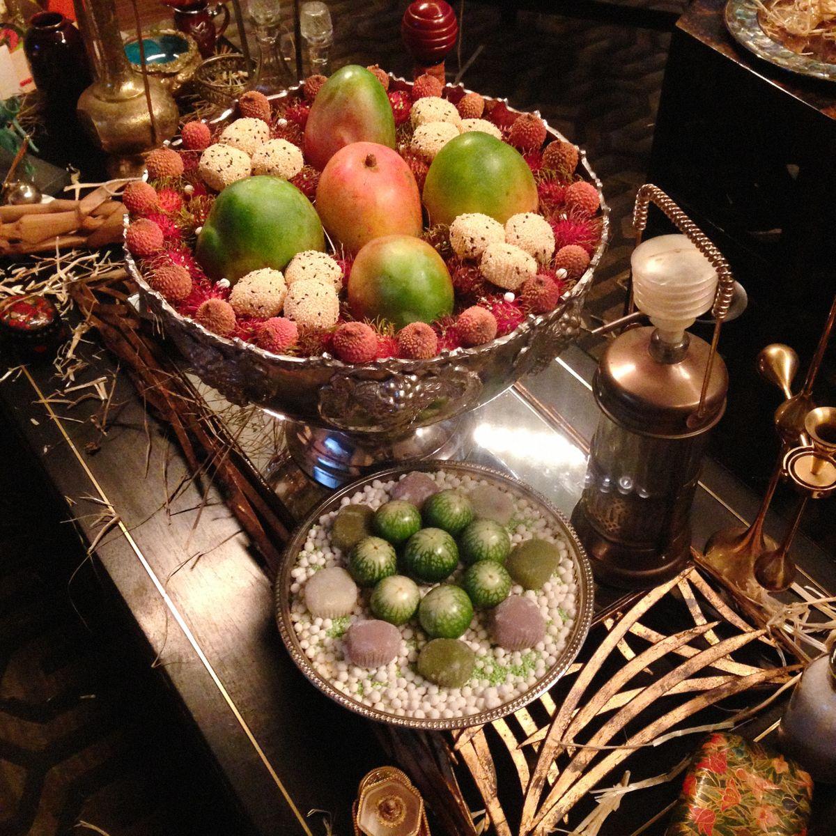 large fruit bowl mangoes copy.jpg