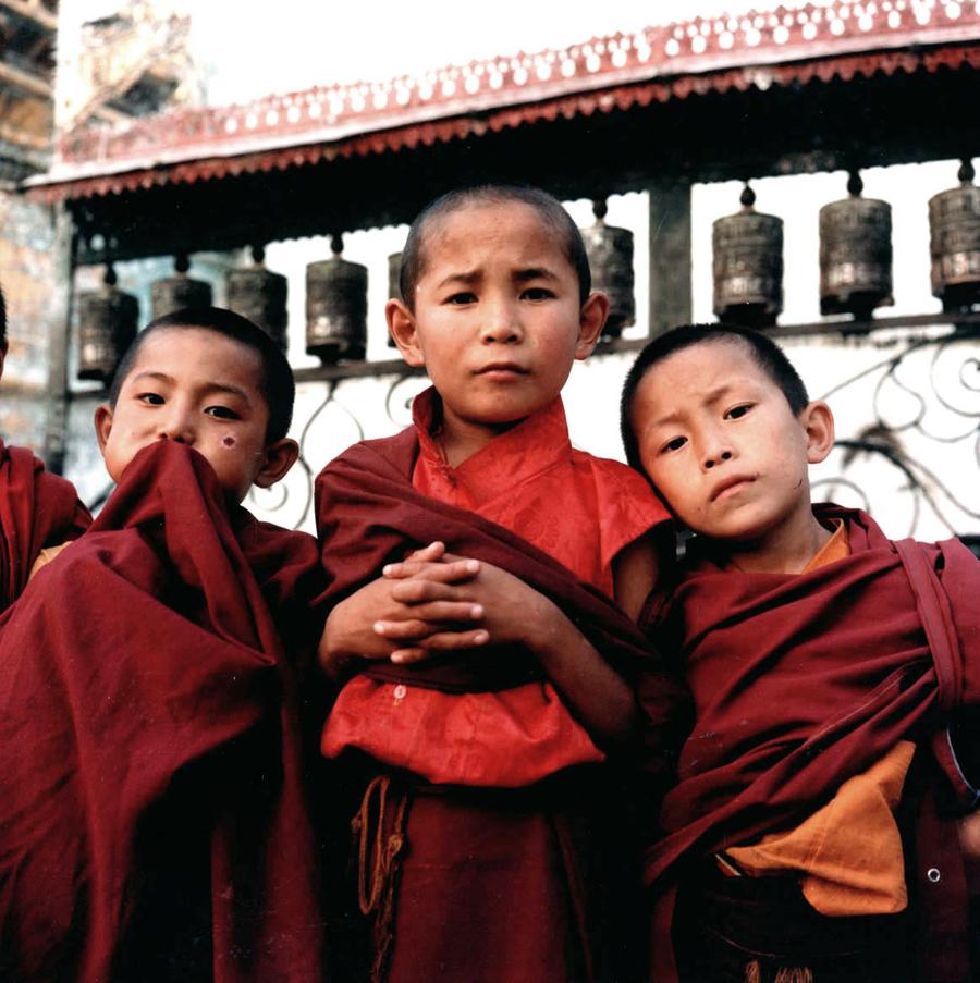 1little_boy_monks_nepal.jpg