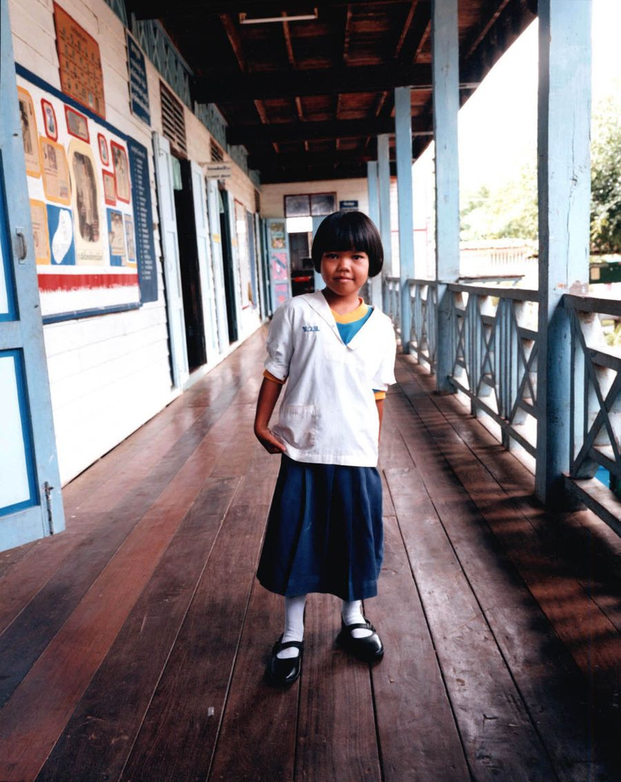 1little_girl_on_porch_thailand.jpg