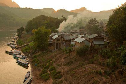 1r200912_laosmekong1577