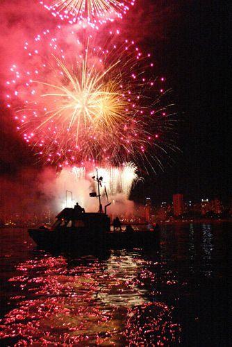 1r5b_Fireworks.jpg