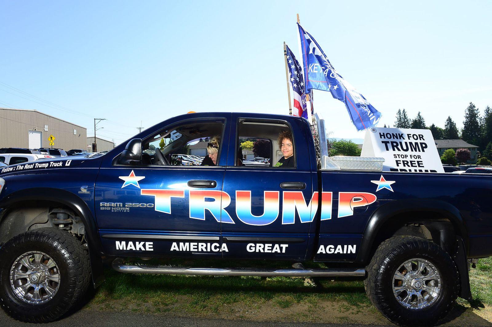 Donald Trump in Lynden, Washington photos