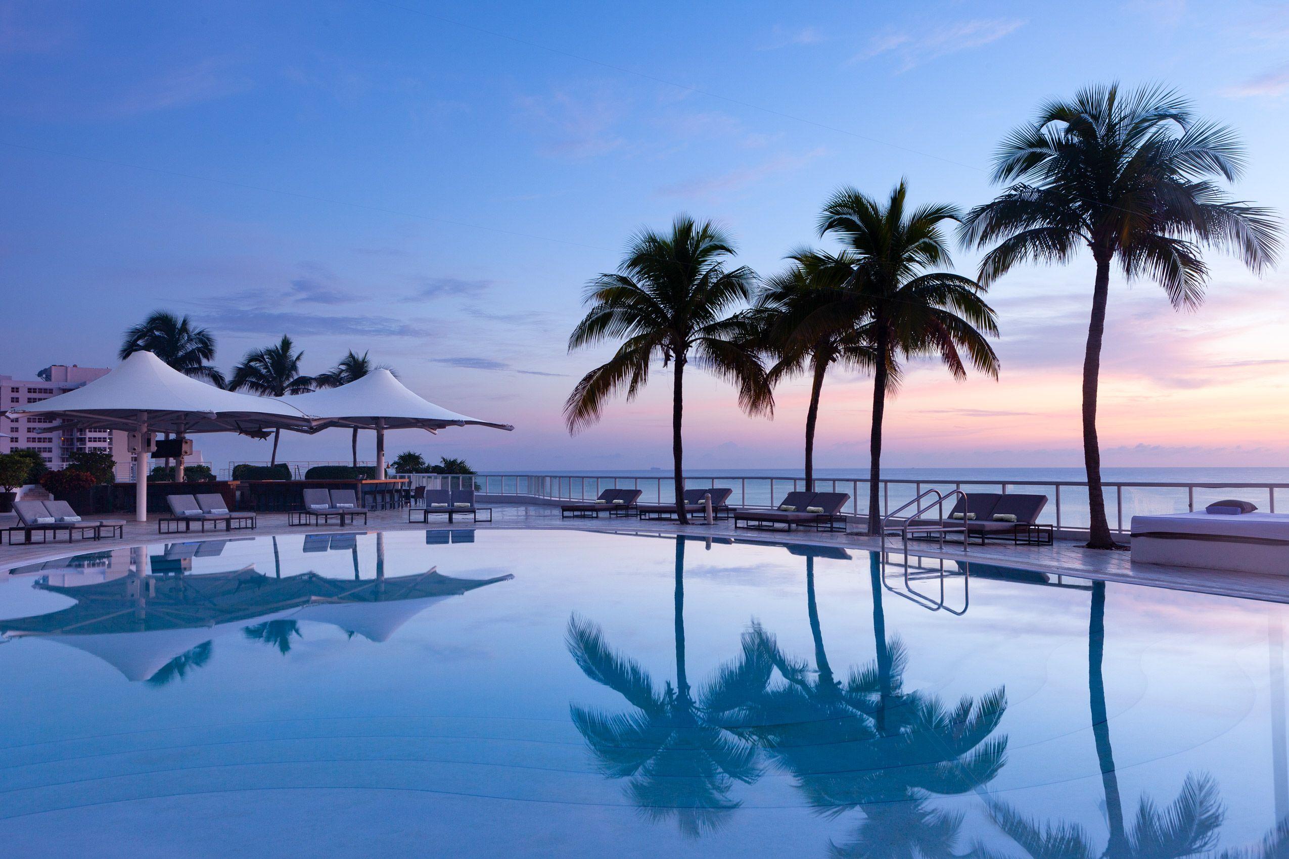 Ritz_Carlton_FLLRZ_Pool.jpg