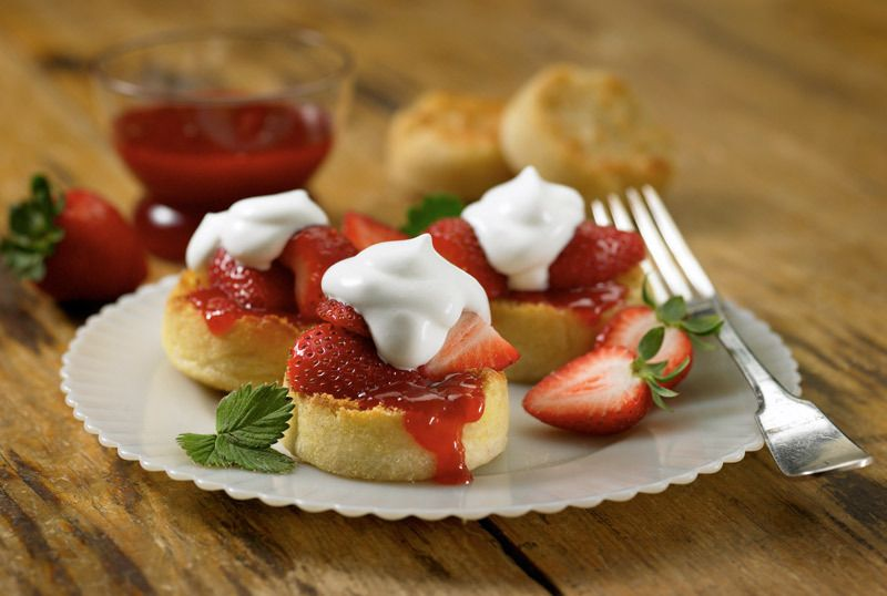 3_0_115_1englishmuffin_strawberries.jpg