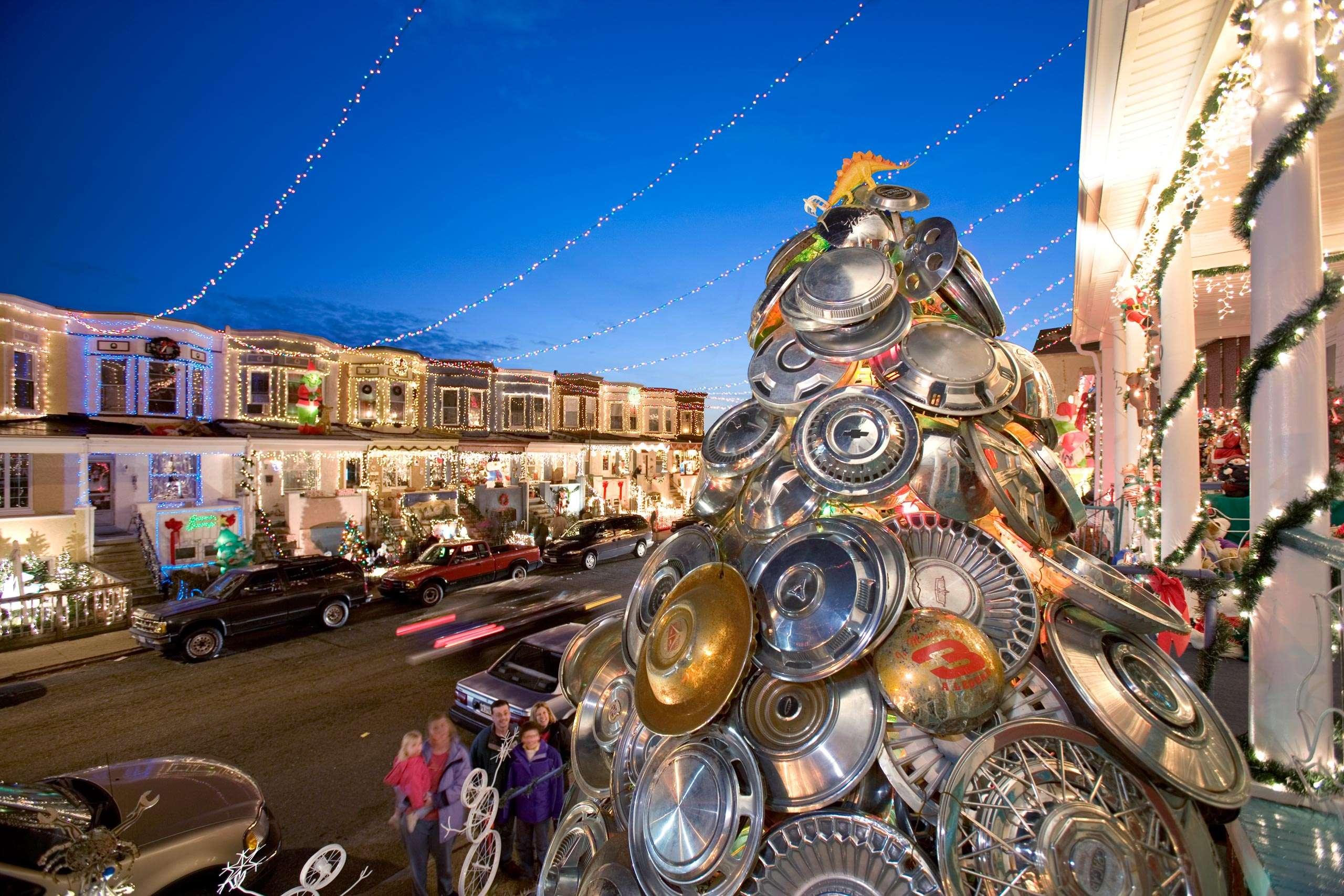 PORTFOLIO - Baltimore - Neighborhoods   #18  Hampden Hubcap Tree