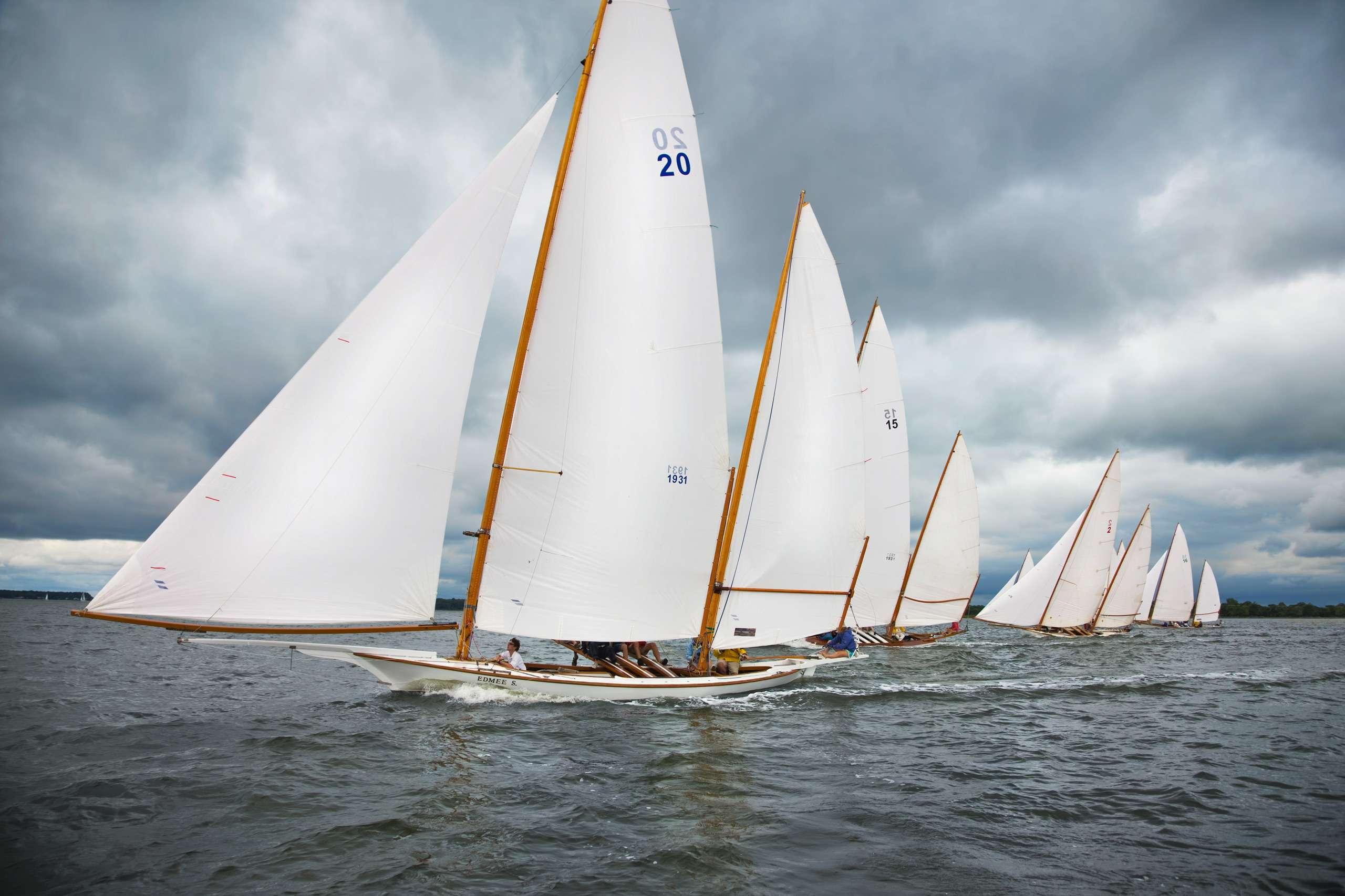 PORTFOLIO - Sailing - Log Canoes #18   PCG522