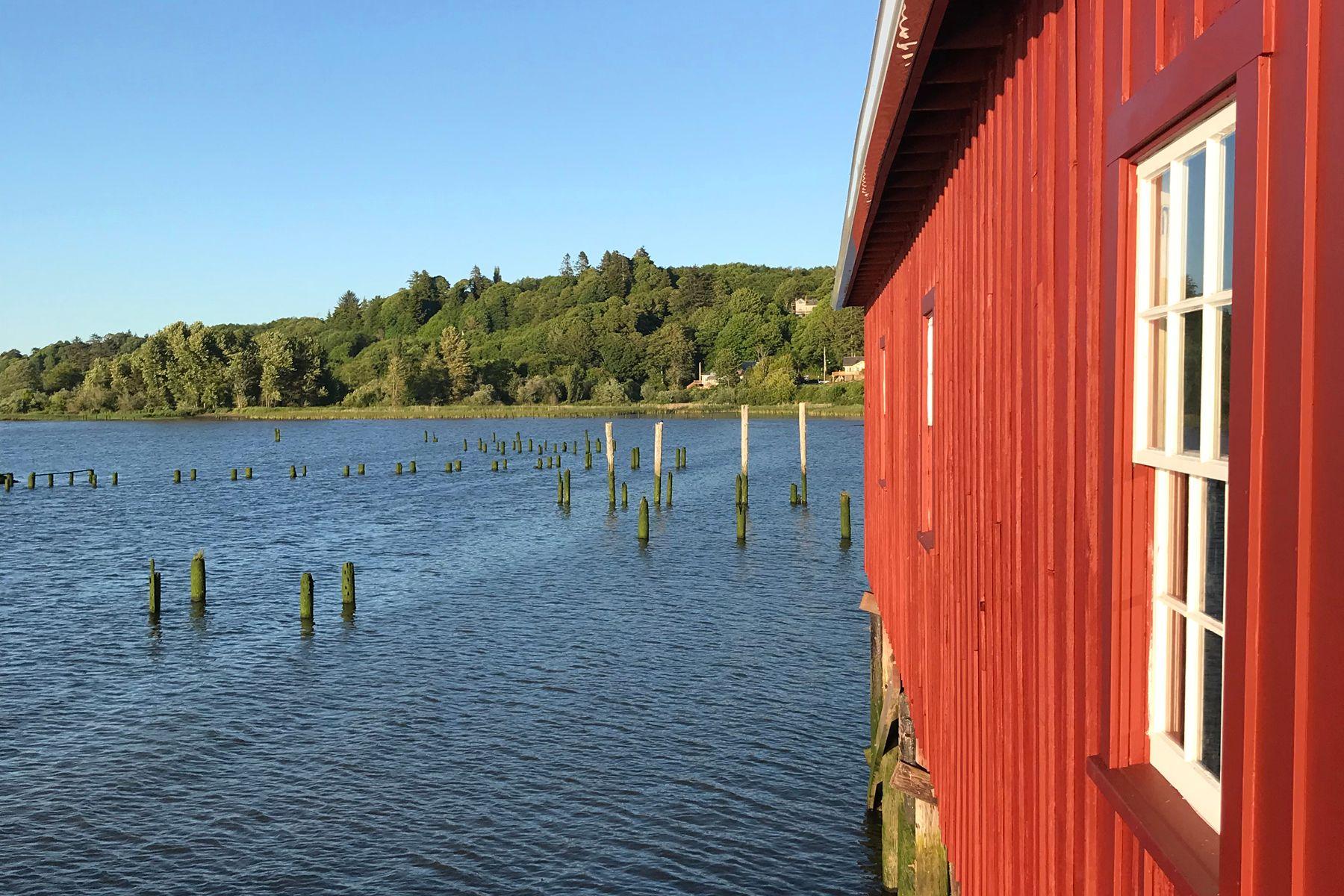 river, dock, preservation, modern, architecture, Astoria riverwalk