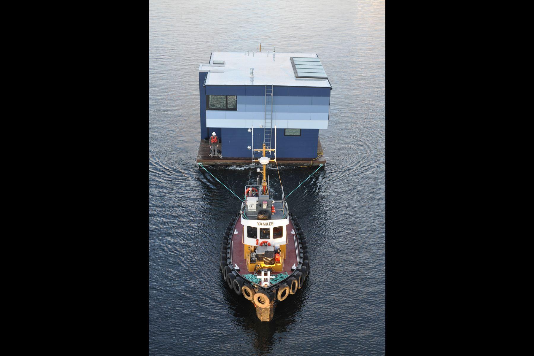 heron-house-boat-01.jpg