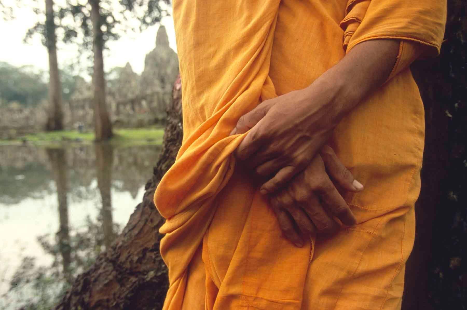 1r20100715_20100630_cambodia_nl_04_07_001