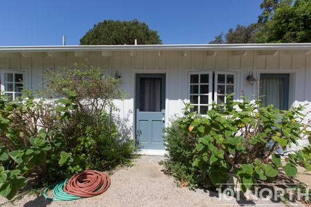 Beach House 15-66.jpg