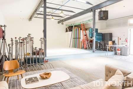 Studio 01-2.jpg