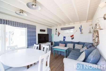 Beach House 15-16.jpg