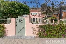 Beach House 17-65.jpg