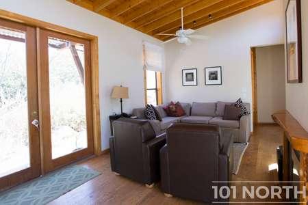 Cabin 02-12.jpg