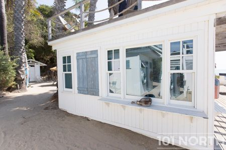 Beach House 15-33.jpg