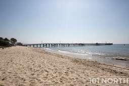 Beach 08-1.jpg