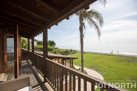 Beach House 14-50.jpg