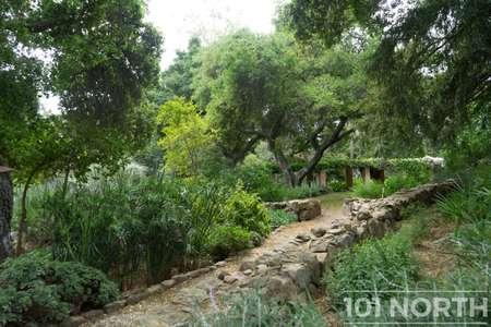 Garden 03-237.jpg