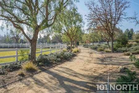 Ranch-Farm 04-27.jpg