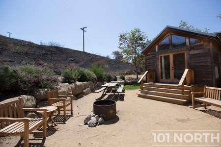 Cabin 02-17.jpg
