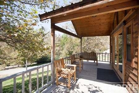Cabin 02-23.jpg