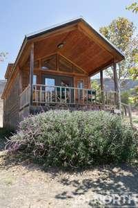 Cabin 02-46.jpg