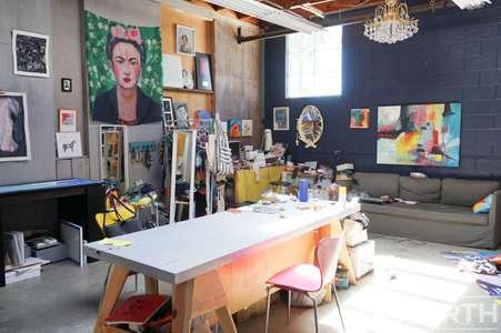 Studio 02-126.jpg