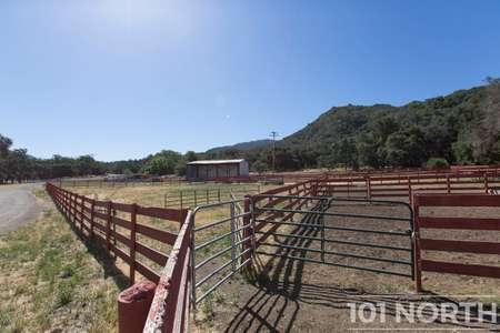 Ranch-Farm 22-19.jpg