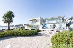 Beach House 13-40.jpg