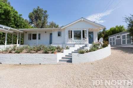Beach House 15-67.jpg