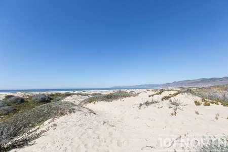 Beach 16-30.jpg