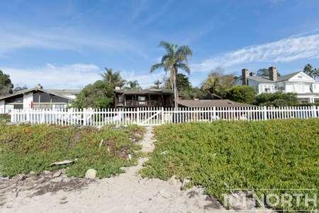 Beach House 14-57.jpg