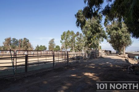 Ranch 20-27.jpg